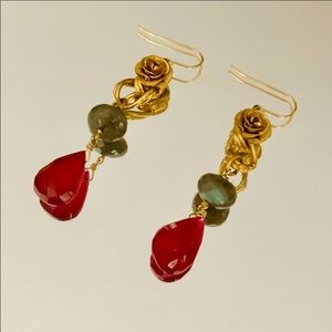 ✨🌹Rose Semi-Precious Stone Dangle Earrings 🌹
